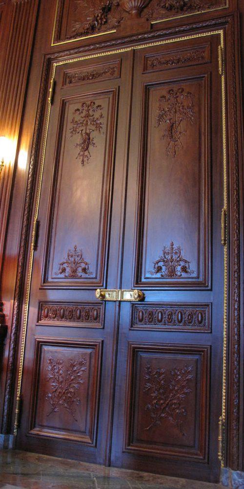 Cercle de l'union interalliée - Porte sculptée - Paris